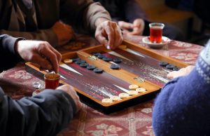 Backgammon er for de tålmodige og taktiske