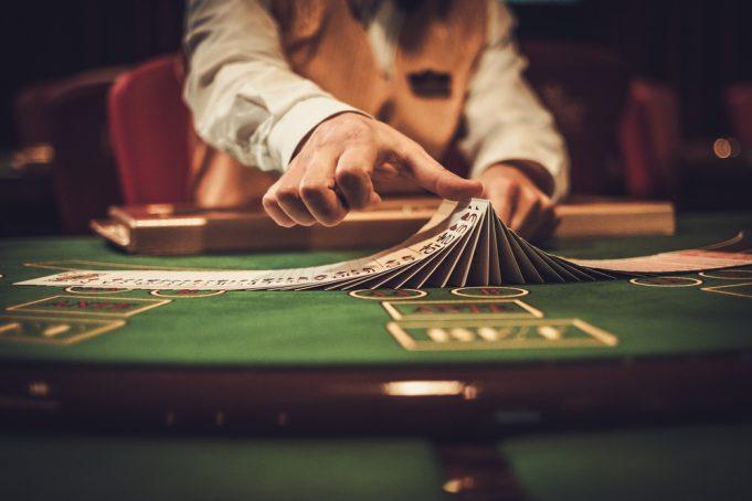 Sådan lægger du en god online poker strategi