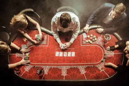 Bliv skarp på online poker reglerne, inden du kaster dig ud i spillet